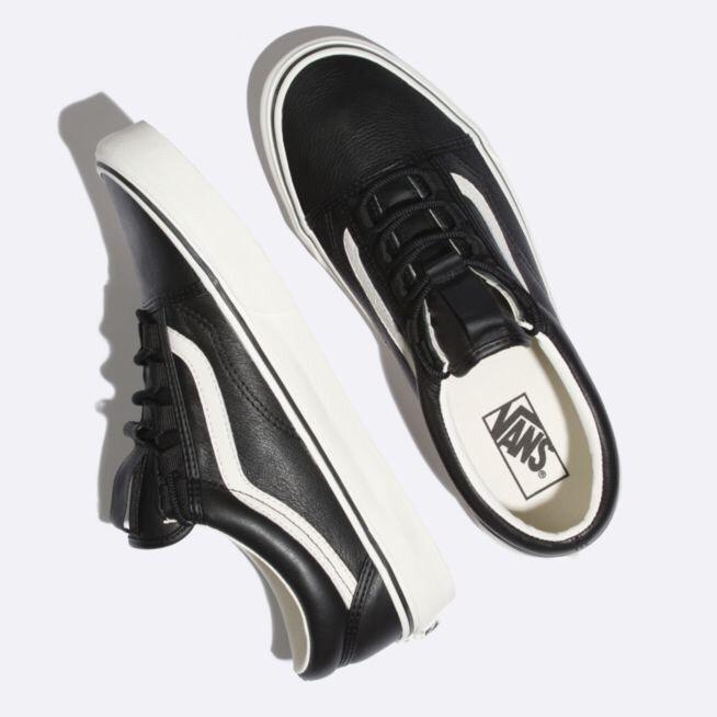 Kapadaa: Vans Black/Marshmallow 8310 UA